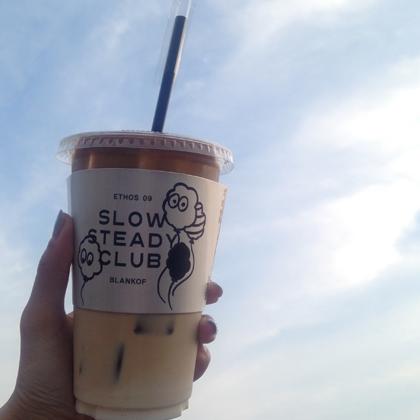テラス席で美味しいコーヒー