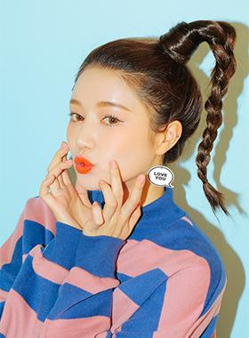 ひと塗りで韓国メイク風になるマット系のリップも人気