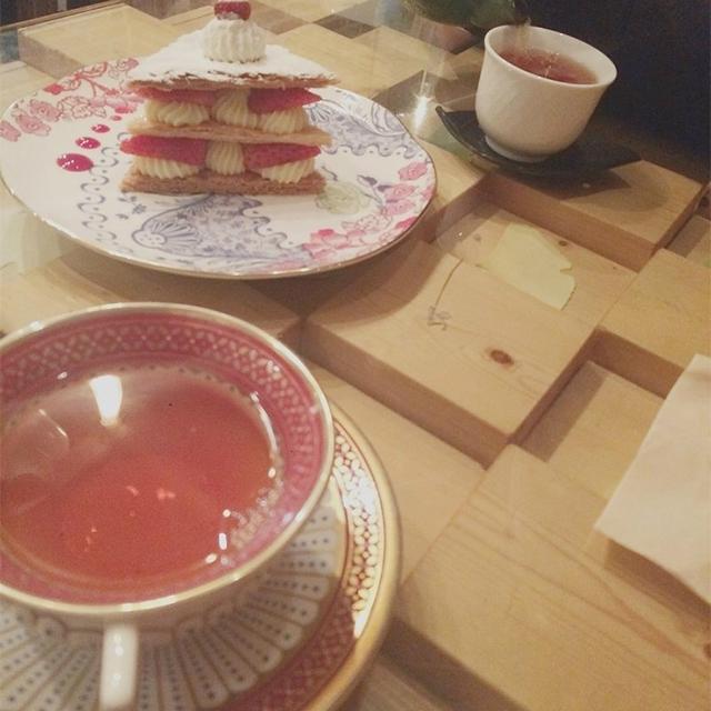 ミルフィーユが有名なフランス紅茶とデザートの専門店