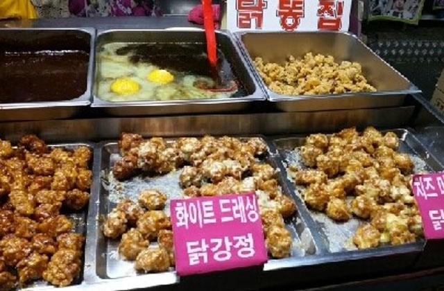 닭강정(タッカンジョン)やコロッケ