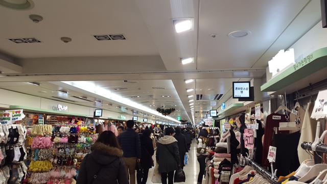 富平地下商店街は、店舗数が1000店舗以上
