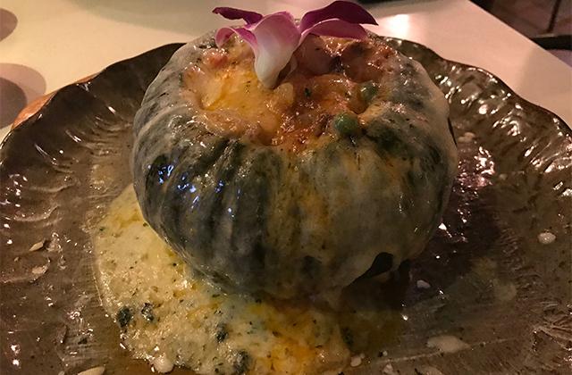 단호박해물찜(タノバッヘムルッチム)=カボチャの海鮮蒸し