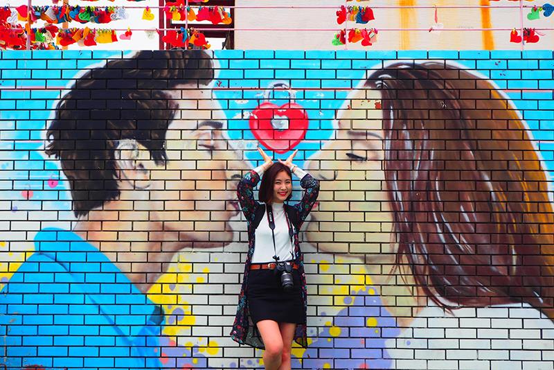 恋人の壁画