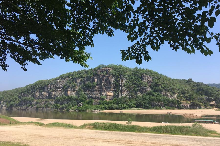 プヨンデの丘