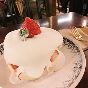 『椿洋菓店』のパンケーキ