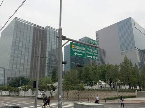 「デジタルメディアシティ駅」9番出口
