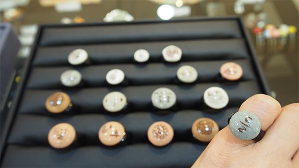 陶磁器の指輪
