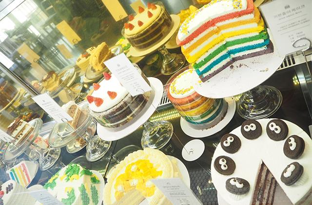 レインボーケーキで有名♡「DORE DORE」