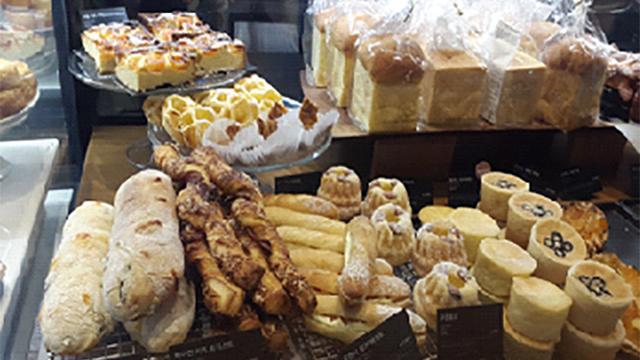 パンやケーキ