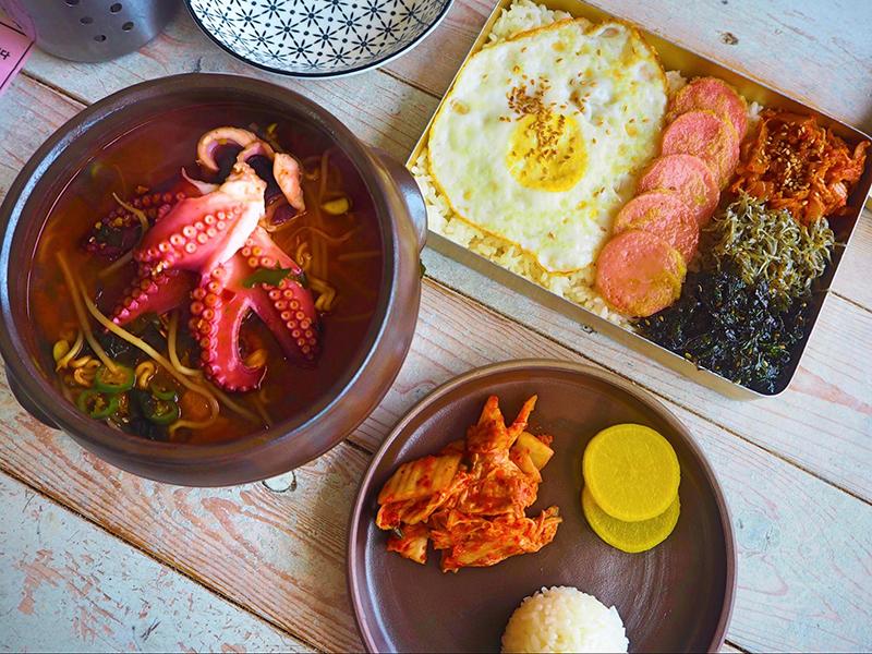 ラーメンに韓国のお弁当