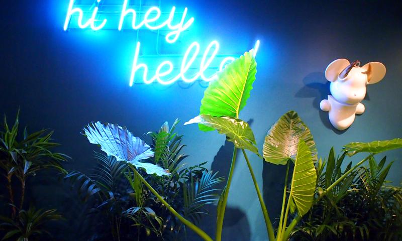 フォトジュニックカフェ『Hi, hey, hello coffee』
