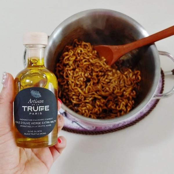 トリュフオイル(+ジャージャー麺)